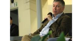 Minister Vandeurzen tijdens de bekendmaking van de meest recente cijfers voor over de bevolkingsonderzoeken.